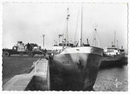 Roscoff Cargo De Chargement De Primeurs Dans Le Port De Roscoff - Roscoff
