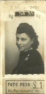 """5381 """" FOTO PESO LIRE 1 -GENNAIO 1939 """"FOTO ORIGINALE - Persone Anonimi"""
