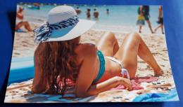 PIN-UP BEAUTY # Photo Repro, Ca. 15 X 10 Cm # Jolie Jeune Femme Model-Kunst Sexy Young Woman # [19-1216] - Pin-ups