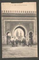 Maroc. Fès. Bab-Bou-Jeloud. Portes. Animation. Mosquées. Chevaux. Circulé 1923. Cachet. Timbre. Petite Déchirure - Monuments