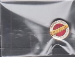 LIVERPOOL - 1986 - LEAGUE CHAMPIONS   BADGE  -FINE CONDITION - Football