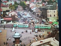 VIEUX TRAM SUR UNE PLACE DE SARAJEVO BOSNIE- HERZÉGOVINE Transports EUROPE VIEILLE CARTE POSTALE SEMI - MODERNE VIERGE - Cartes Postales