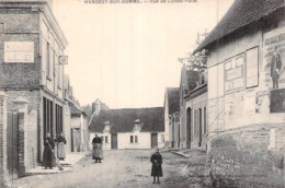C P A 80 Somme Hangest-sur-Somme Rue De Condé-Folie Carte Animée Pubs Chocola Ménier Et Aux Deux Nègres - Francia