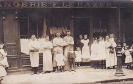CARTE PHOTO - à Identifier - Boulangerie F. LE RAZER - Cartes Postales