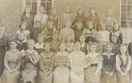 FROIDCHAPELLE : Superbe Carte Photo - Ecole Communale - 1Ere Classe - Probablement 1919 - Froidchapelle