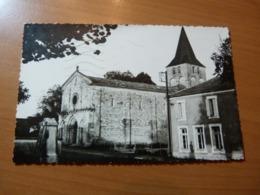 CPSM. Gurat. L'église. Charente - Autres Communes