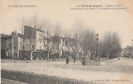 CPA  30  PONT SAINT ESPRIT ENTREE VILLE COTE NORD FONTAINE ABREUVOIR LE GARD PITTORESQUE - Pont-Saint-Esprit