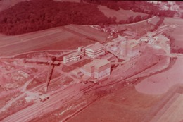 Photo Diapo Diapositive L'EST Paysages & Industries Traitement Minerai De Fer à Metzange Vers Thionville VOIR ZOOM - Dias