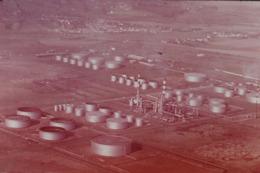 Photo Diapo Diapositive NORD Paysages & Industries Raffinerie ANTAR à Valenciennes En 1975 VOIR ZOOM - Dias