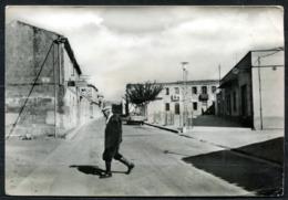 Z1795 FORDONGIANUS (Oristano OR) Piazza Centrale E Via Ipsitani, Viaggiata 1971 Per Prato, Ondulazioni, Buone Condizioni - Oristano