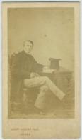 CDV. Homme En Pose Avec Chapeau Haute Forme. Monsieur Abel Le Père Par Auguste Josset à Gisors. - Photographs