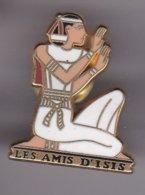 Pin's LES AMIS D'ISIS SIGNE ARTHUS BERTRAND - Arthus Bertrand