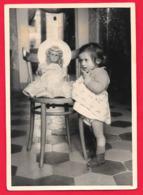 ENFANTS - ENFANT - FILLE - FILLETTE - LITTLE GIRL - BAMBINA - BAMBINO - DOLL -POUPEE- BAMBOLA  PHOTO CM. 7X10 - Persone Anonimi