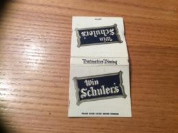 "Pochette D'allumettes Etats-Unis ""Win Schuler's - Distinctive Dining"" - Boites D'allumettes"