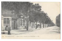 Cpa: 69 LA DEMI LUNE (ar. Lyon) Maison Etel, Avenue De La République (Fontaine) N° 14 - France