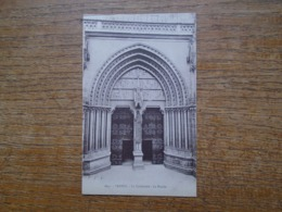 Vannes , La Cathédrale , Le Porche - Vannes