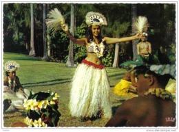 Carte Postale Tahiti  Danseuse De Otea Chat Des Postes Armées Trés  Beau Plan - Tahiti