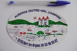 Autocollant Stickers - Auberge OUTRE-VAL Camping BORT-LES-ORGUES 19 CORREZE - Autocollants