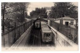 CPA 75 PARIS 13e Station Métropolitain AUSTERLITZ Rames De Métro Et Entrée Du METROPOLITAIN Ed. LL. N° 1677 - Arrondissement: 13
