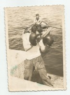 Boxer On The Pier Jh412-245 - Anonieme Personen
