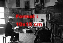 Reproduction D'une Photographie Ancienne D'une Jeune Femme Nue Servant De Modèle à Deux Artistes - Reproductions