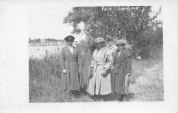 A-19-4765 : CARTE PHOTO PORT GEROME. PORT JEROME ?  BORD DE RIVIERE OU FLEUVE. MODE. - France
