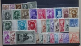 BELGIE  1941-42   Samenstelling   Nr. 568-72 / 573-82 / 581 A - 582 A / 589-92 / 593-601    Scharnier *      CW  20,00 - Neufs