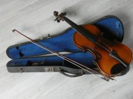 VIOLON ARCHET ET VALISE. A REVISER TRES BON ETAT. - Musical Instruments