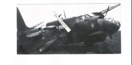 PHOTO AVION DOUGLAS BOSTON IV LE BIAN ET GUEGUEN CRASH DANS UN TROU DE BOMBE 15 OCT 1944 VITRY EN ARTOIS RETIRAGE 17X8CM - 1939-1945: 2ème Guerre