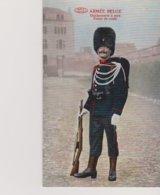 Cpa Armée Belge Gendarme à Pied Tenue De Route (N°3225) - Police - Gendarmerie