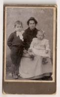 PHOTO MAMAN ET SES 2 ENFANTS     B888 - Personnes Anonymes