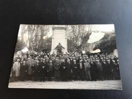 Carte PHOTO Groupe Anciens Combattants BELLEY Monument Aux Morts - Belley
