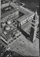 VENEZIA - PIAZZA SAN MARCO - VEDUTA AEREA - EDIZ. ALTEROCCA PER L.A.I. (LINEE AEREE ITALIANE) - NUOVA ANNI '50 - Venezia