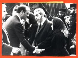 Photographie Originale De Presse A F P Jacques Chirac Obsèques Gendarmes Tués En Corse 26/08/1975 - 2 Scans - Famous People
