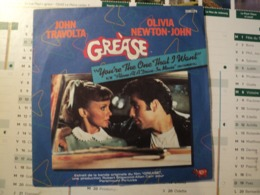 45 TOURS BO GREASE. 1978. RSO 2090 279 YOU RE THE ONE I WANT / ALONE AT A DRIVE IN MOVIE. JOHN TRAVOLTA / OLIVIA NEWTON - Filmmusik