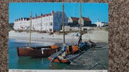 CPSM ALDERNEY OLD HARBOUR BOATS VOILIERS BATEAUX ED JUDGES 1989 - Alderney