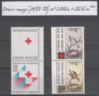 France Croix-rouge (1988-89) Y/T N° 2555a + 2612a Avec  Vignettes Neufs ** - France