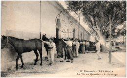 13 TARASCON - Hussards - La Vie Au Quartier - Le Pansage - Tarascon