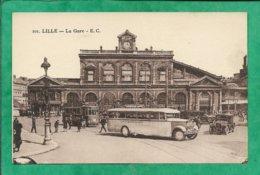 """Lille (59) La Gare 2scans Tramway Voitures Carte Animée Autocar """"Lille-La Gorgue-Estaires"""" - Lille"""