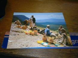 148699  BASKET SELLERS ON ESCARPMENT KENYA - Kenia