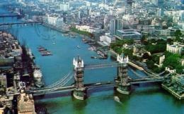 Aerial View Of Tower Bridge And The City Of London - Formato Piccolo Viaggiata – E 13 - Cartoline
