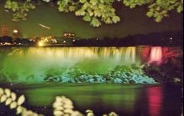 Illuminated View Of American Falls Taken From Niagara Falls Canada - Formato Piccolo Viaggiata – E 13 - Cartoline