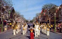 Mickey Mouse And Disneyland Band - Los Angels - Cilifornia - Formato Piccolo Viaggiata Mancante Di Affrancatura – E 13 - Cartoline
