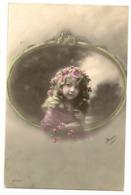 319 - Fillette Dans Un Médaillon - Portraits