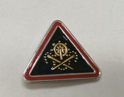 Distintivo Metallico 2° Reggimento Genio Pionieri Piacenza Esercito Spilla In Metallo Triangolare Militare Rara - Altri