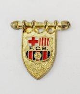 Pin's FOOTBALL BARCA Barcelona Barcelone Fanion - Football