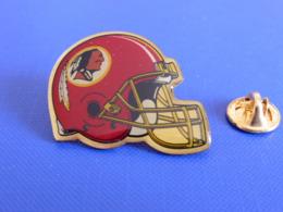 Pin's Foot Football Américain - Casque Des Washington Redskins - NFL (PS58) - Badges