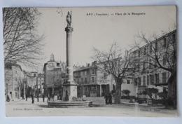 CPA De Apt (Vaucluse 84): Place De La Bouquerie - Apt