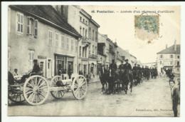 Cpa  PONTARLIER , Arrivée D'un Régiment D'artillerie - Pontarlier