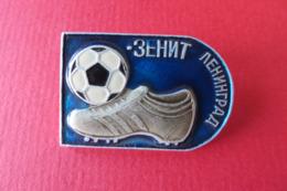 Pin's,insigne,Russie,Football,Soccer,CCCP,Fussball,broche,CALCIO - Fussball